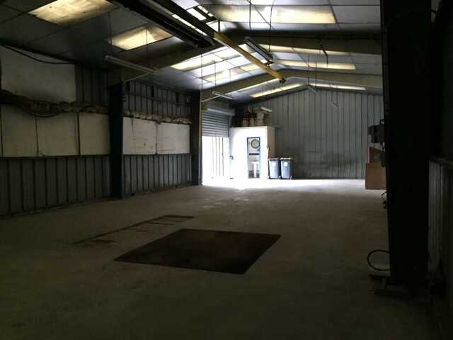 A louer/vendre - local stockage 160m2 - Soissons